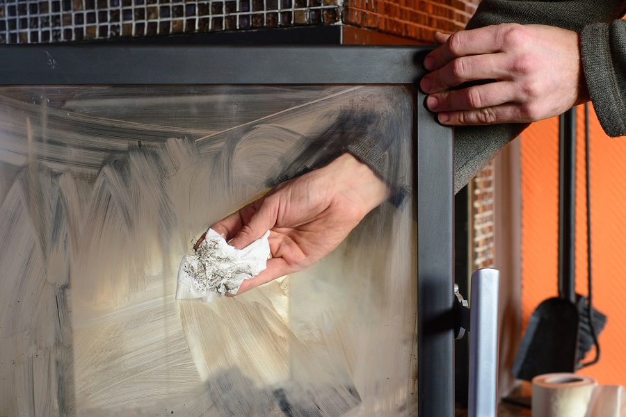 How To Clean Fireplace Glass In 4 Simple Steps